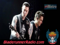 Avenged Sevenfold - god d b  vox - pic 3 small