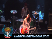 Halestorm - rock show - pic 9 small