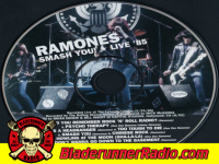 Ramones - howling at the moon - pic 8 small