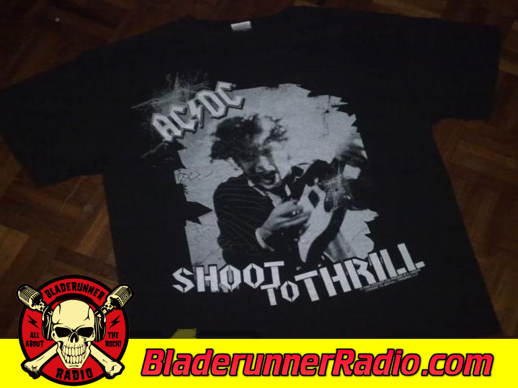 Acdc - Shoot To Thrill (image 7)