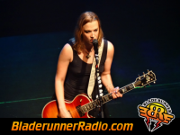 Halestorm - new modern love acoustic - pic 8 small