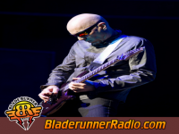 Joe Satriani - big bad moon - pic 5 small