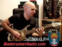 Joe Satriani - satch boogie - pic 2 small