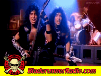 Kiss - heavens on fire - pic 3 small