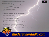 Live - lightning crashes - pic 1 small