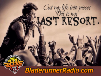 Papa Roach - last resort - pic 2 small