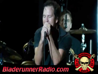 Pearl Jam - mind your manners - pic 1 small