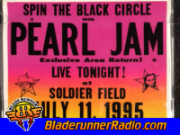 Pearl Jam - spin the black circle - pic 3 small