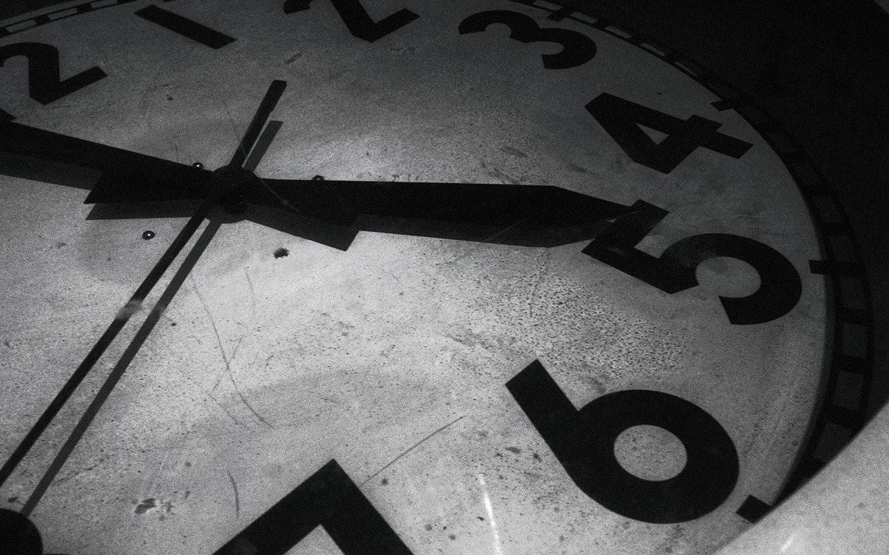 Greyscale Clock